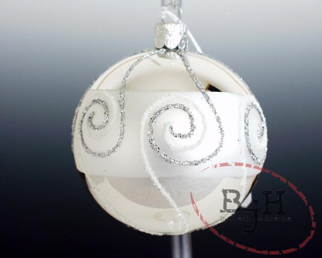 Český výrobce Vánoční ozdoby skleněné - 6 kusů Popis: Vánoční baňky, průměr 6 cm
