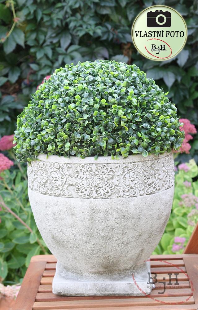 Květináč betonový