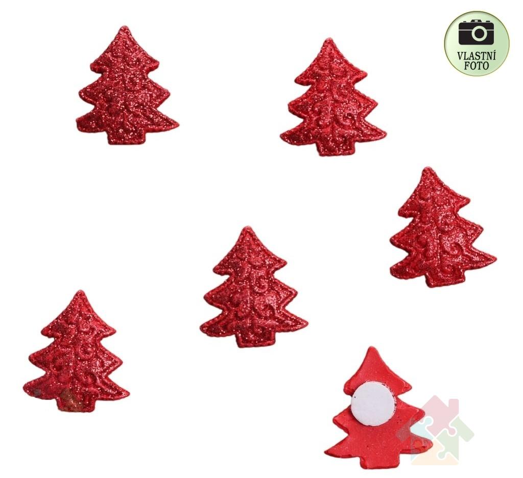Vánoční přízdoba stromeček