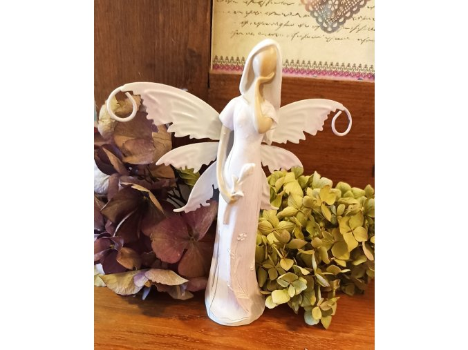 Víla s plechovými křídly 3 sv. fialová