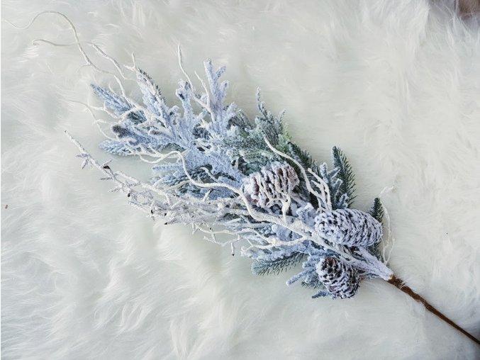 Zimní větev zasněžená