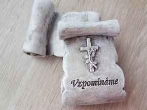 Vzpomínáme - kamenný pergamen