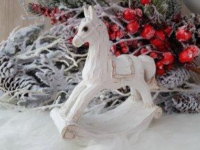 Houpací kůň bílý s patinou