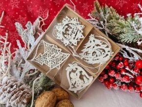 Vánoční vyřezávaná dekorace