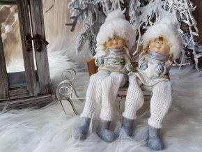 Figurky kluk a holka v čepicích