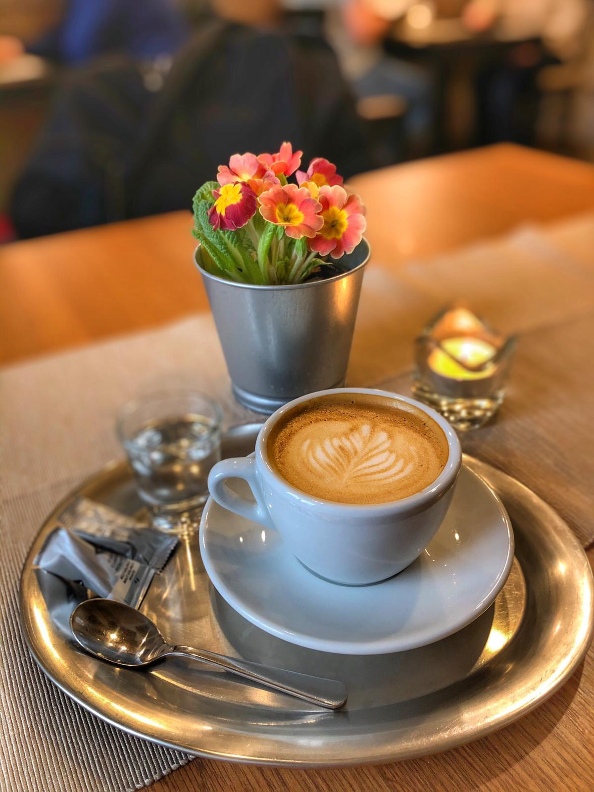 Zátiší s cappuccinem
