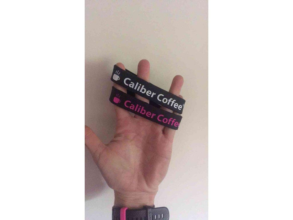 Silikonový náramek Caliber Coffee® - černobílý