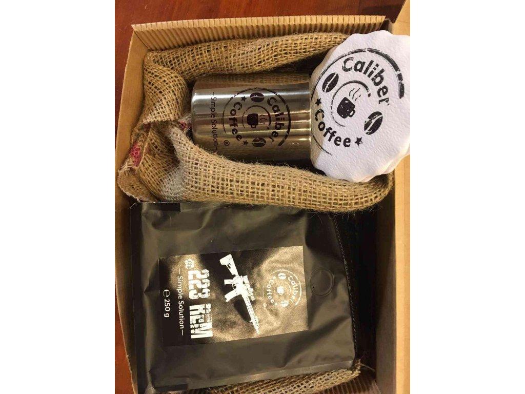 Dárkový balíček Caliber Coffee® .223rem +nerez.hrnek 0,2L, rozetky