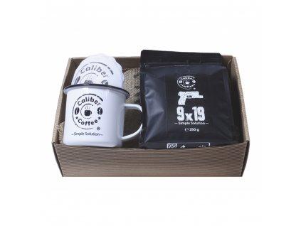 Dárkový balíček Caliber Coffee® + plecháček, rozetky
