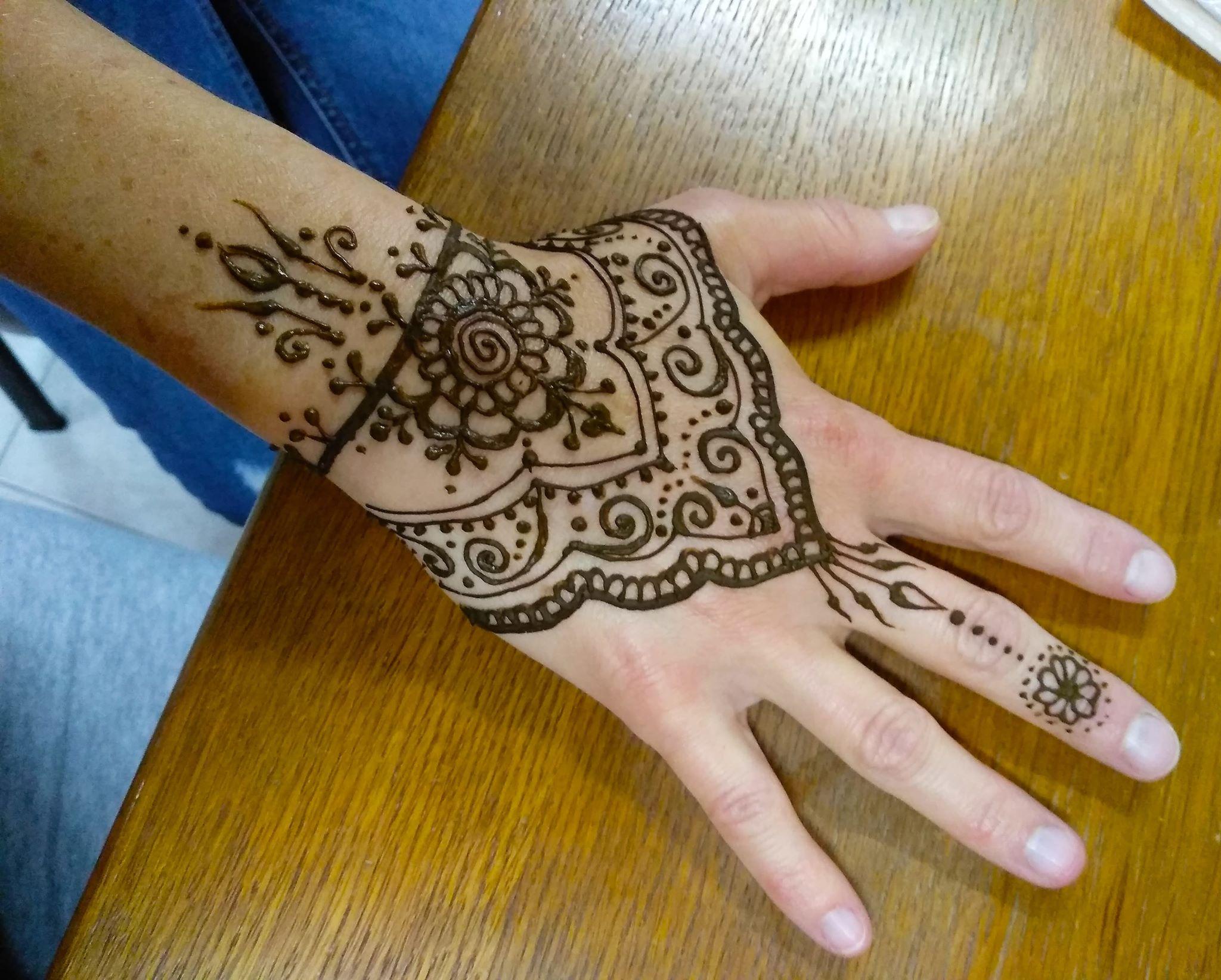 Tipy, jak začít malovat hennou