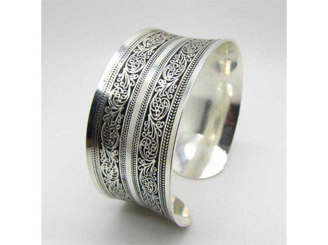 Tepaný boho náramek ORIENT stříbrný 1