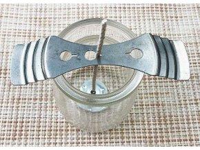 Držák na knoty pro výrobu svíček 1