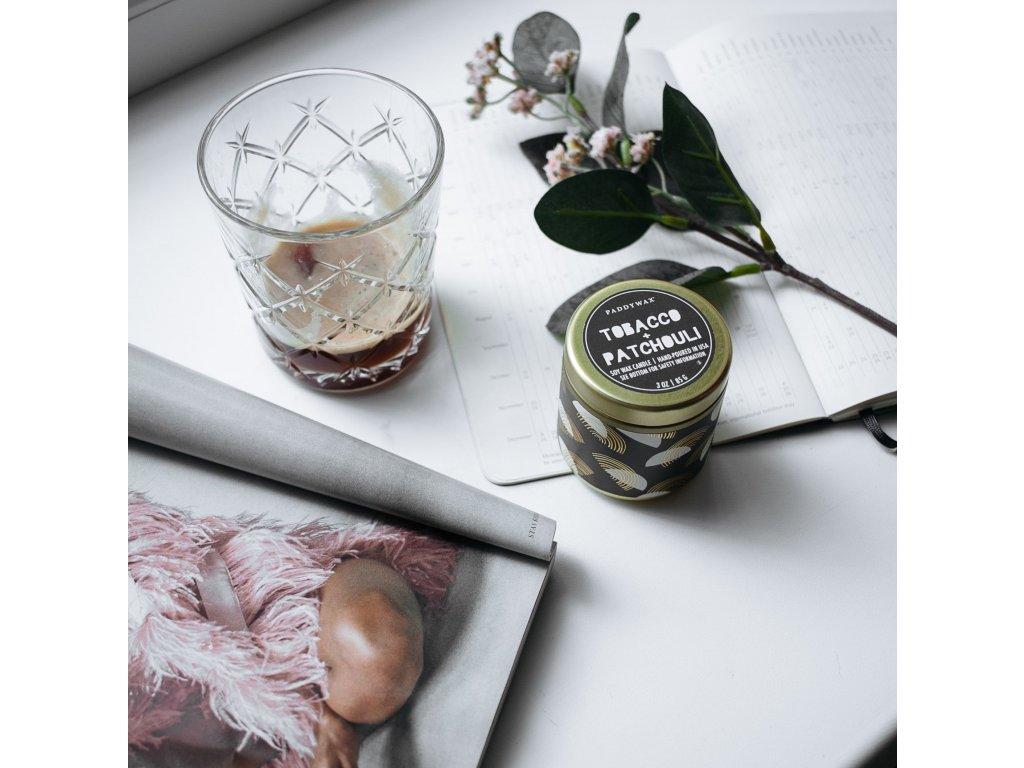 Paddywax - vonná svíčka Kaleidoscope TOBACCO + PATCHOULI (Tabák a pačuli) 85 g