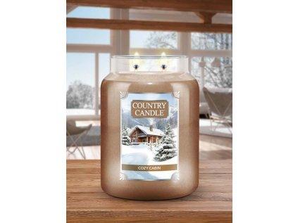 Country Candle - vonná svíčka COZY CABIN (Útulná chata) 652 g