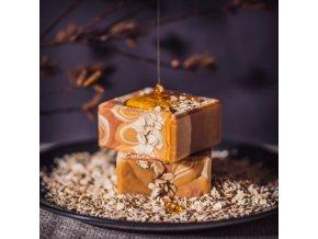 Vyhlazující peelingové mýdlo s medem a ovesnými vločkami