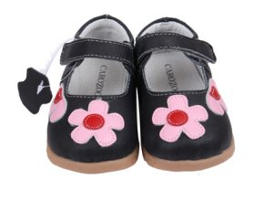 Kožené sandálky s gumovou podrážkou Černé s kytičkou