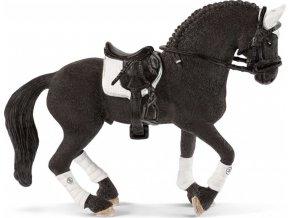 Schleich 42457 Turnajový hřebec Fríského koně