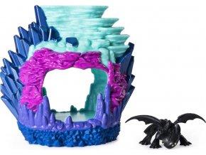 Draci 3 - Dragon Dračí jeskyně Bezzubka