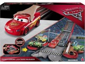 CARS transformující se Blesk McQueen