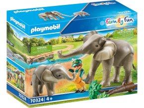 70321 Elefanten im Freigehege 02 o