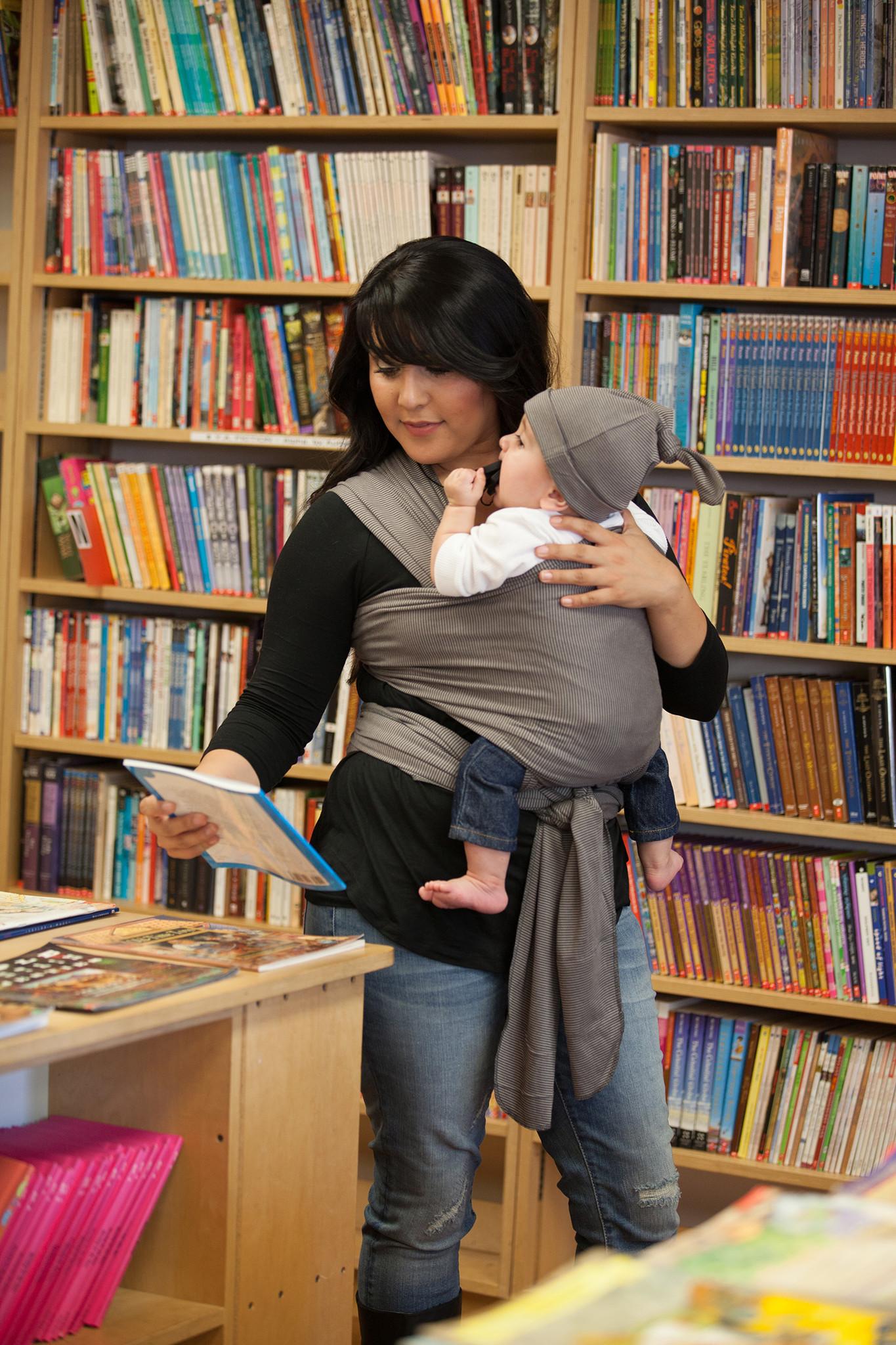 Moby Wrap elastický šátek Design Bamboo Grey Stripes