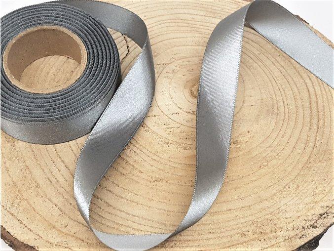 Saténová stuha - stříbrná
