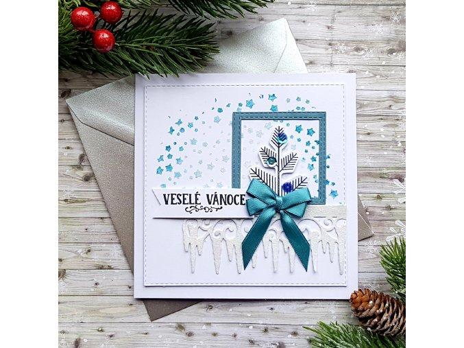 Vánoční přání, ozdobený stromek
