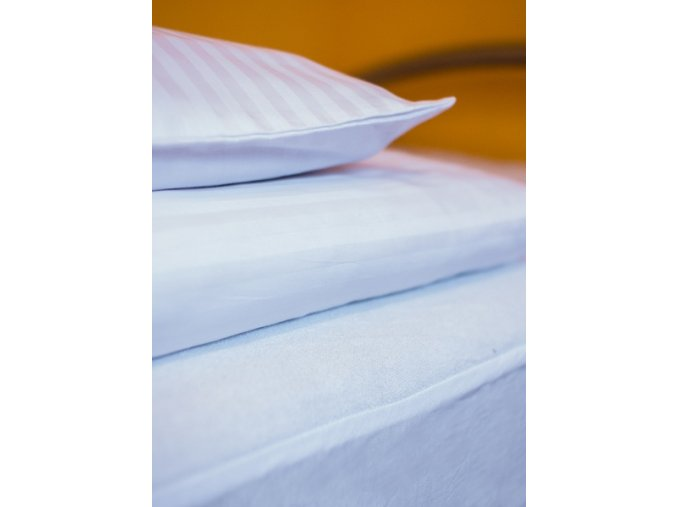 Povlak na polštář 60x80 cm, 210tc 1 cm proužek, bílá