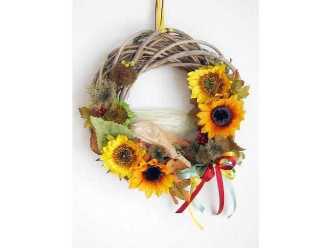 Podzimní věnec se slunečnicí