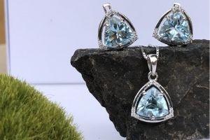 Proč šperky z přírodních drahých kamenů ?