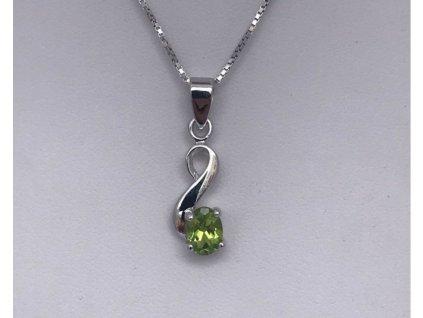 STŘÍBRNÝ PŘÍVĚS S OLIVÍNEM AMALIE  Olivín je kámen slunce, inspirace a očisty.