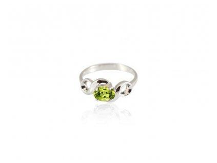STŘÍBRNÝ PRSTEN S OLIVÍNEM AMALIE  Olivín je kámen slunce, inspirace a očisty.