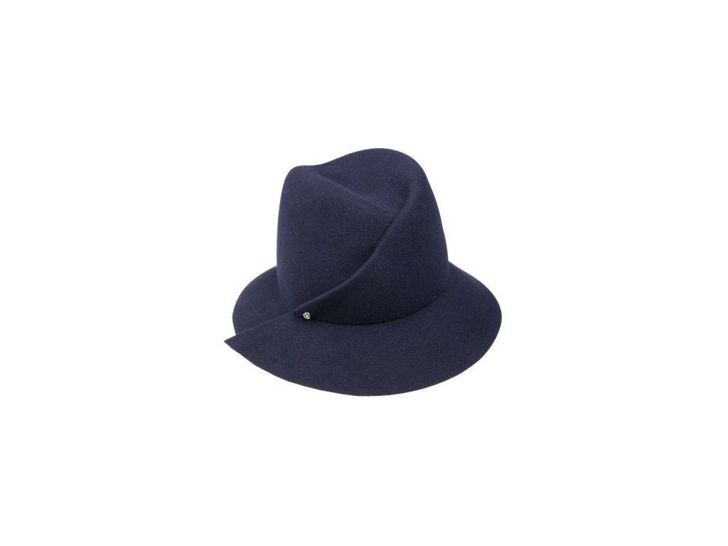 Plstěný modrý klobouk s látkovým potním páskem zdobený sámkem a jehlicí s kamínkem 53135/16