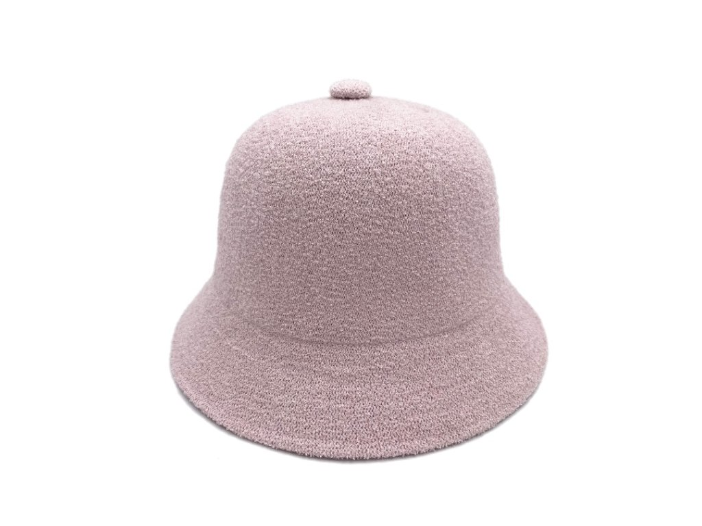 pudrovy bucket hat