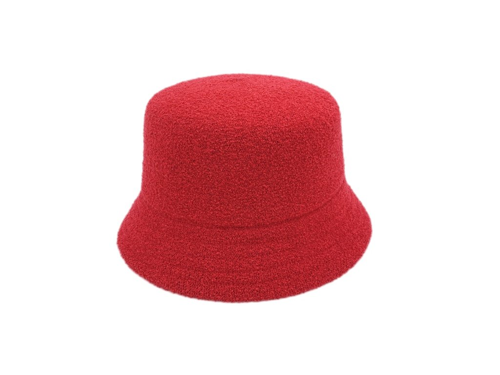 cerveny bucket hat