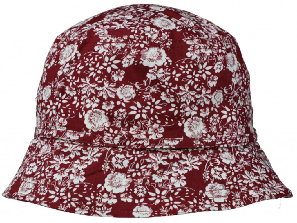 cerveny letni kloboucek