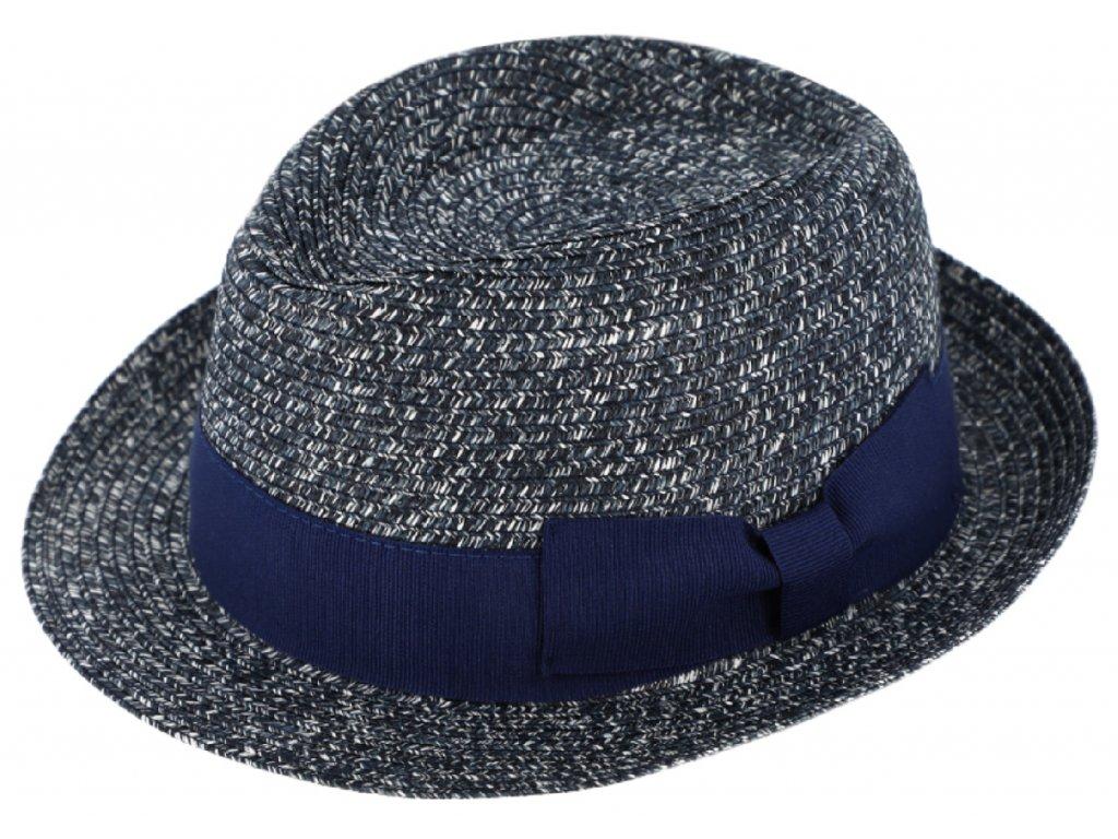 letni klobouk se širokou grosgrainovou stuhou