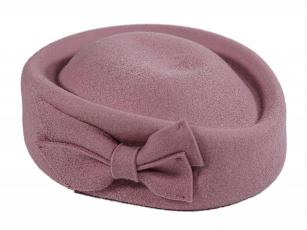 ruzovy klobouk