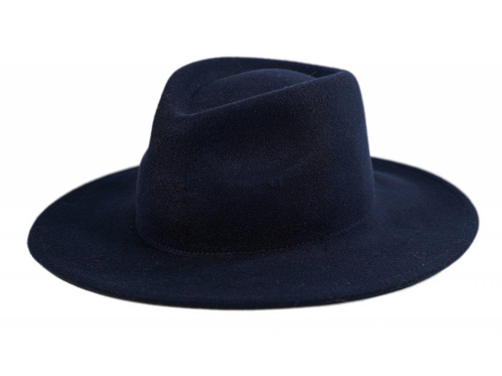 modry famsky klobouk
