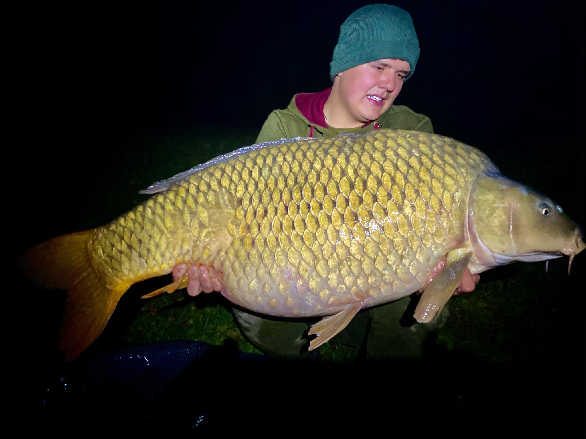 Podzimní listí velkou rybu jistí...