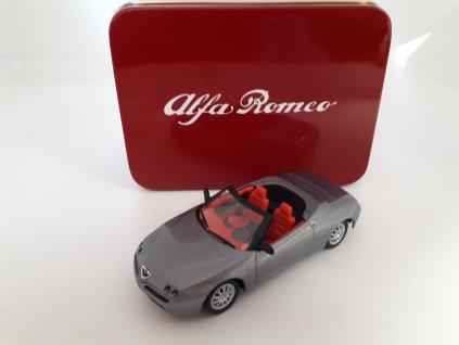Alfa Romeo Spider 1995 1 43 a)