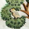 Dřevěný eukalyptus s australskými ptáky