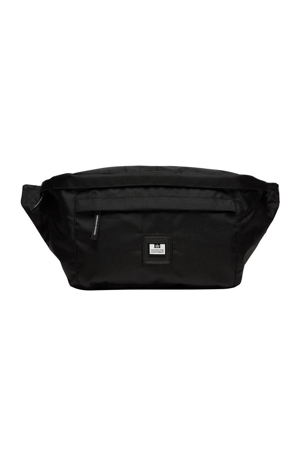 ACSS20 BIG BODY BAG FRONT MANNEQUIN 900x