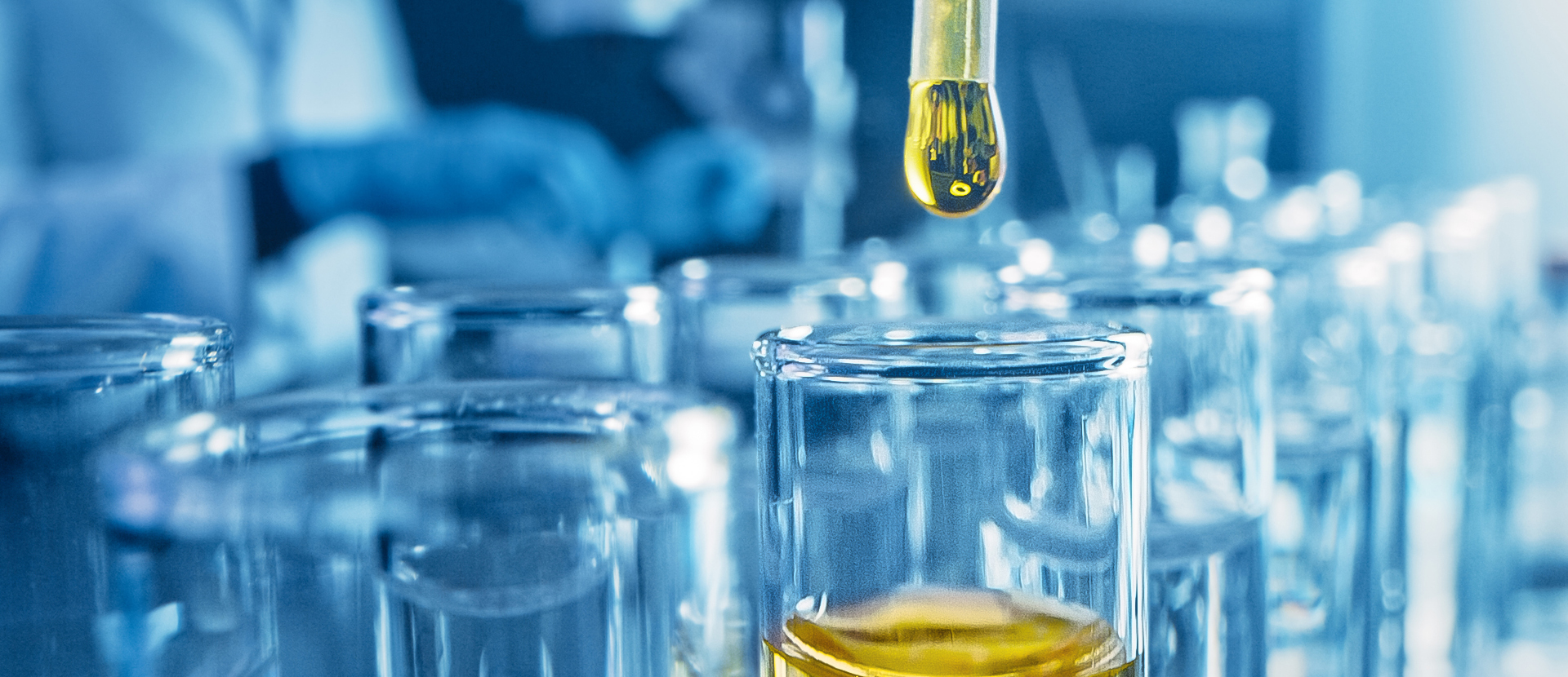 cbd-hemp-laboratory-tests-and-extraction-swiss-cristal-lab-slider-1