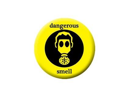 Placka Dangerous Smell 25mm (101)