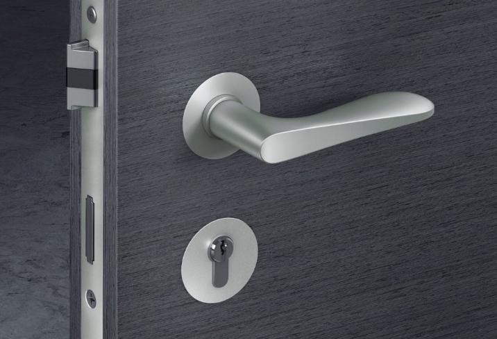 Kování na dveře a kliky