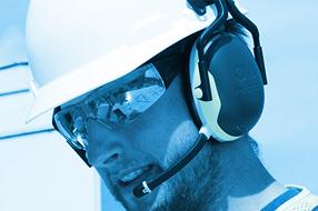 Ochrana sluchu a komunikační soupravy