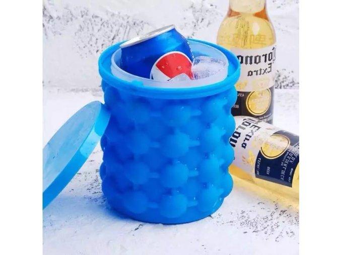 Silikonová nádoba na výrobu ledu se skladovacím prostorem
