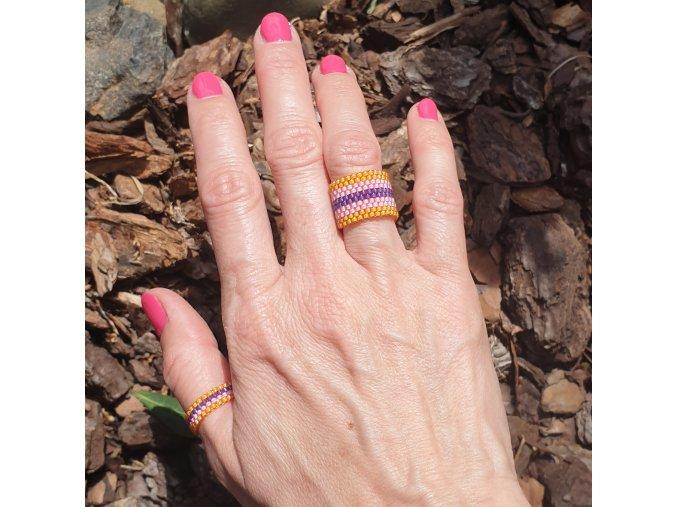 set prstýnků růžovo/fialová_z japonských korálků