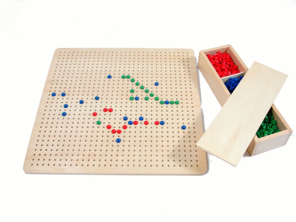 Kolíčková tabulka s kolíčky